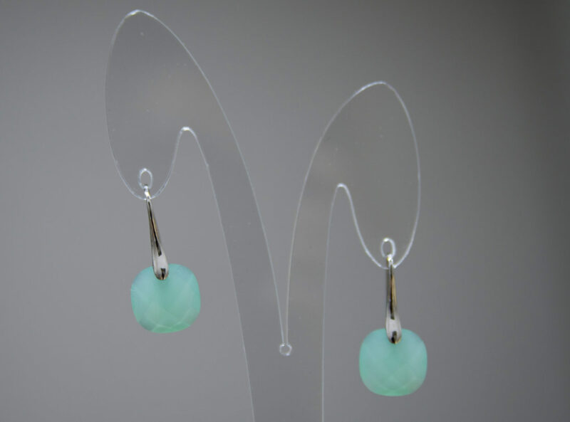 Pendientes de plata con piedra natural color verde